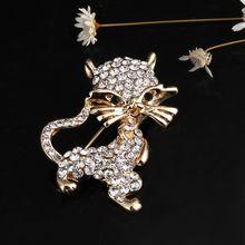 Elegante Del Pavone Farfalla Spilla di Strass Spille Ape Leopardo della Nota di Musica Simulato Della Perla di Modo Spille Corona di Fiori Spilla Regalo(China)