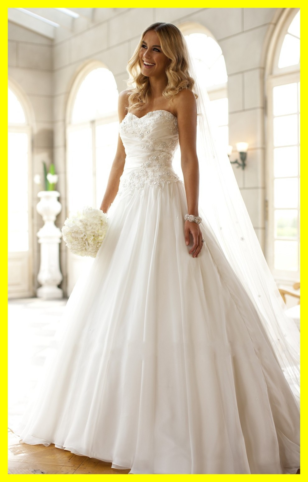 Wedding dresses for petite brides white and red to hire for Best wedding dresses for petites