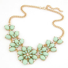 Bohemia Flower Crystal Bubble Statement Necklaces & Pendants Imitated Gemstone Choker Collier for women Men Jewelry Accessories