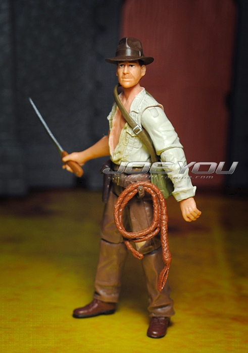 Limited! 10CM High Classic Toy Raiders of the Lost Ark Indiana Jones Battle Damage Jones action figure Toys(China (Mainland))
