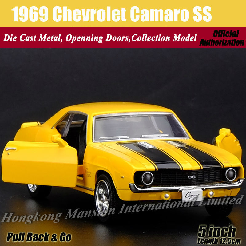 Diecast Classic Car Model For 1969 Chevrolet Camaro SS 1:36 Scale Alloy Metal Collection Model Pull Back Toys Car(China (Mainland))