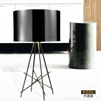 "Creative fashion light with titanium-steel frame table lamp ""Eiffel Tower"""