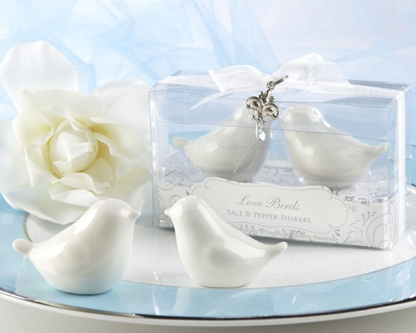 Free shipping wedding favors and gifts Elegant Love Birds Salt pepper shaker in Clear box Party favors for guests 1SET/LOT(China (Mainland))