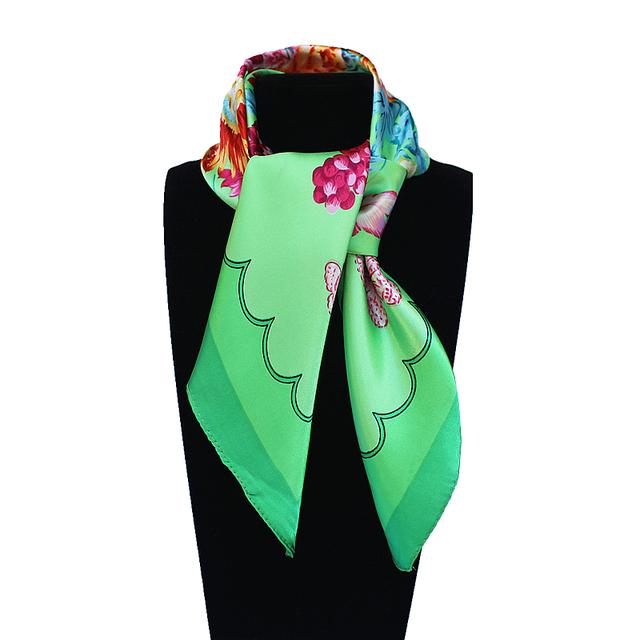 60 см * 60 см Женщины 2016 Новая Мода Имитационные Шелковый Зеленый Весенний Цветок и Бабочка Напечатаны Офис Леди Площадь шарф Горячей Продажи