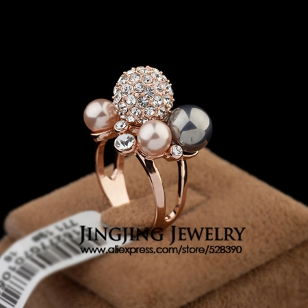 Bijouterie Designer 4pcs Pearls Cluster with Rhinestone Pave Big disco Ball Cocktail Rings for Women(China (Mainland))