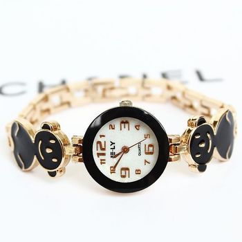 Hot Free shipping Fashion Trend Watches Women's Rose Gold Plated Girl Cute Bear Student Bracelet Watch