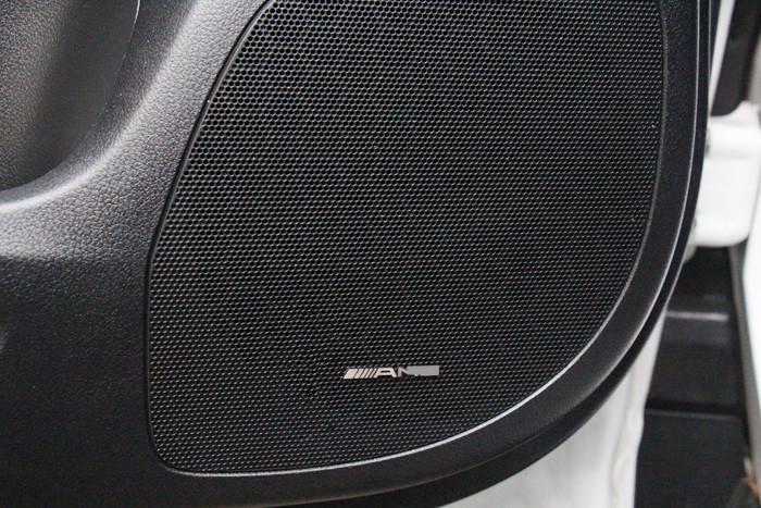 10 Piece 35x4mm Benz Car Steering Wheel AMG Stickers Emblem Decoration Car Sound Audio Decals for Benz A B C E GLA CLA GLK ML(China (Mainland))
