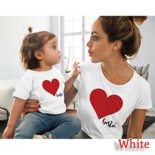 Moda lato rodzina stroje ubrania koszulki matka córka dzieci pasujące miłość druku T-shirt kobiet dziewczyny T Shirt koszulki topy(China)