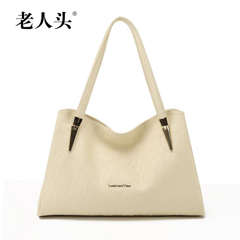 Здесь можно купить  LAORENTOU 100% genuine leather bag 2015 new spring and summer fashion trend women bag large capacity embossing shoulder bags  Камера и Сумки