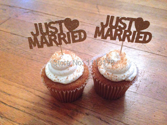 Cheap just married cupcake toppers wedding decorations for Just married dekoration