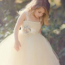 Vestido de princesa color Marfil/Champagne para niña