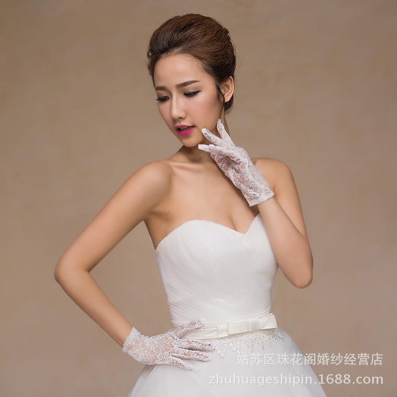 Перчатки белого кружева свадебные цветы стиль сада простой элегантные наручные краткости длины женщины перчатки дешевые свадебные аксессуары