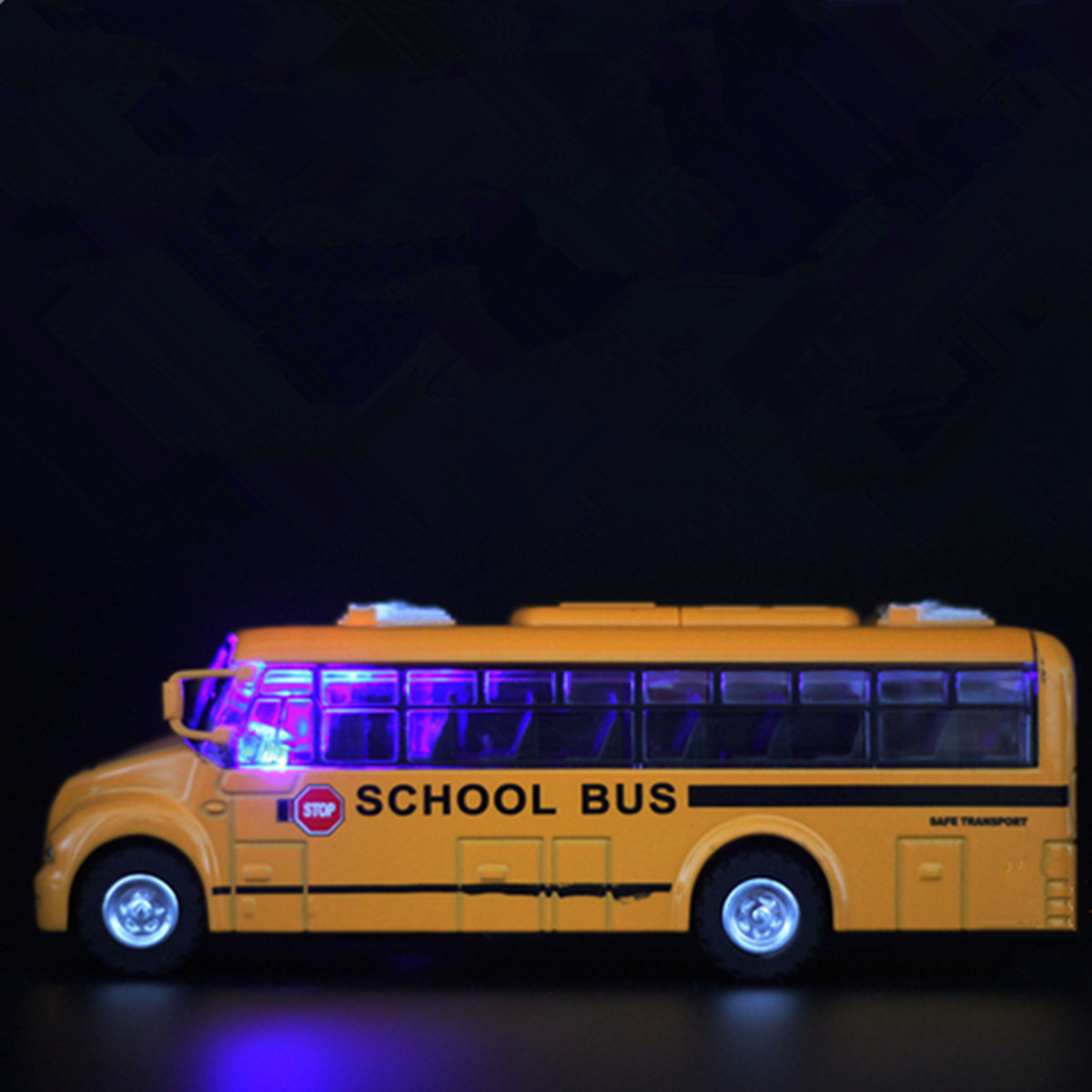 1:32 Scale Alloy Simulation Pull Back US School Bus Light Music Model Ride On Vehicle Models Toy Cars Gift For Children Yellow(China (Mainland))