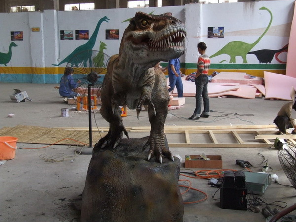 3m Animatronic T-rex Stand in A Rock(China (Mainland))