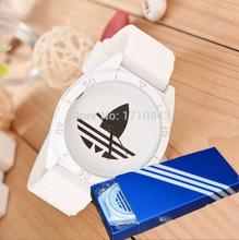 Mens 3 diseño tres hojas Slicone hoja mujeres AD relojes deportivos relojes moda relogios femininos hierba con la caja