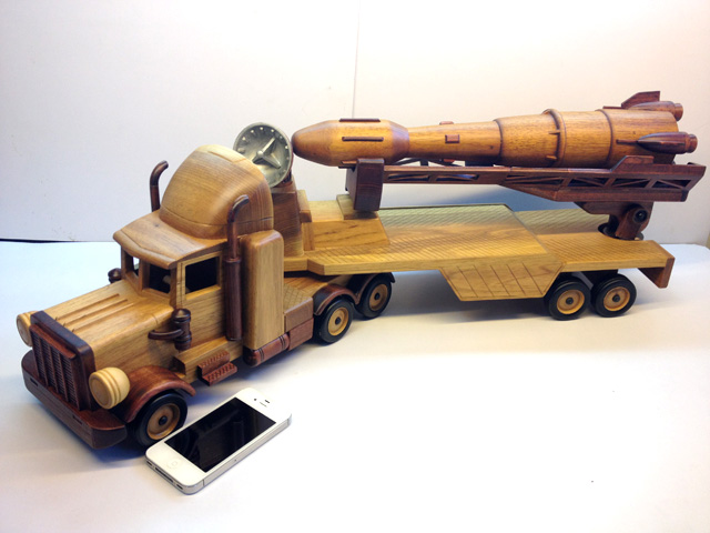 Military trailer wooden car model trecsure out of print gift(China (Mainland))