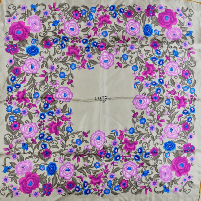 2014 Ladies Green Mulberry Silk Square Scarves Wraps Printed Hot Sale Crown Pattern Silk Scarf Shawl Summer Autumn Satin Scarf