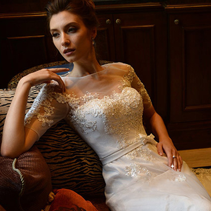 z 2015 New Stock Plus Size Women Pregnant Bridal Gown Wedding Dress Short Sleeve Long Lace Princess Zipper Romantic Sexy 583(China (Mainland))