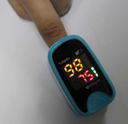 Free DHL shipping Pulse oximeter , LED screen ,SPO2 CE Auto Power on Heart rate monitor(China (Mainland))