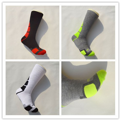 Men's knee high professional coolmax basketball socks outdoor sports cotton socks high quality absorbent breathable football sox(China (Mainland))
