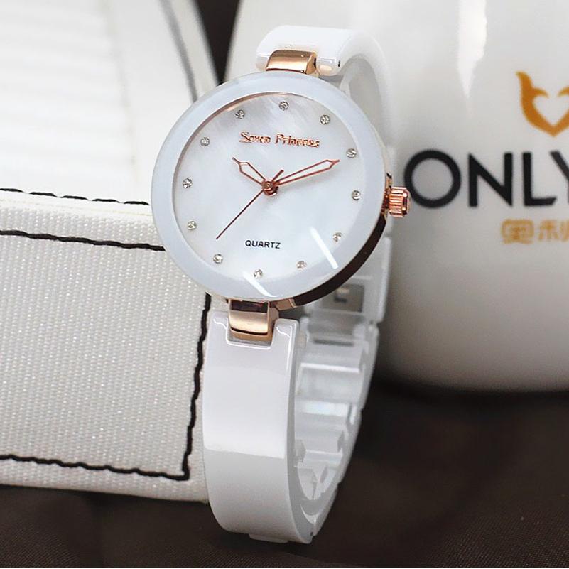 Белые дешовые часы