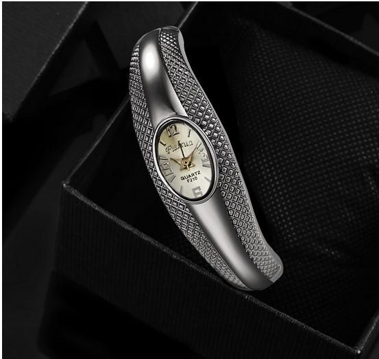 Горный хрусталь Серебряный Браслет Смотреть Женщины Марка Аналоговый Кварцевые часы Браслет Часы Моды Часы Часы Дамы relojes mujer