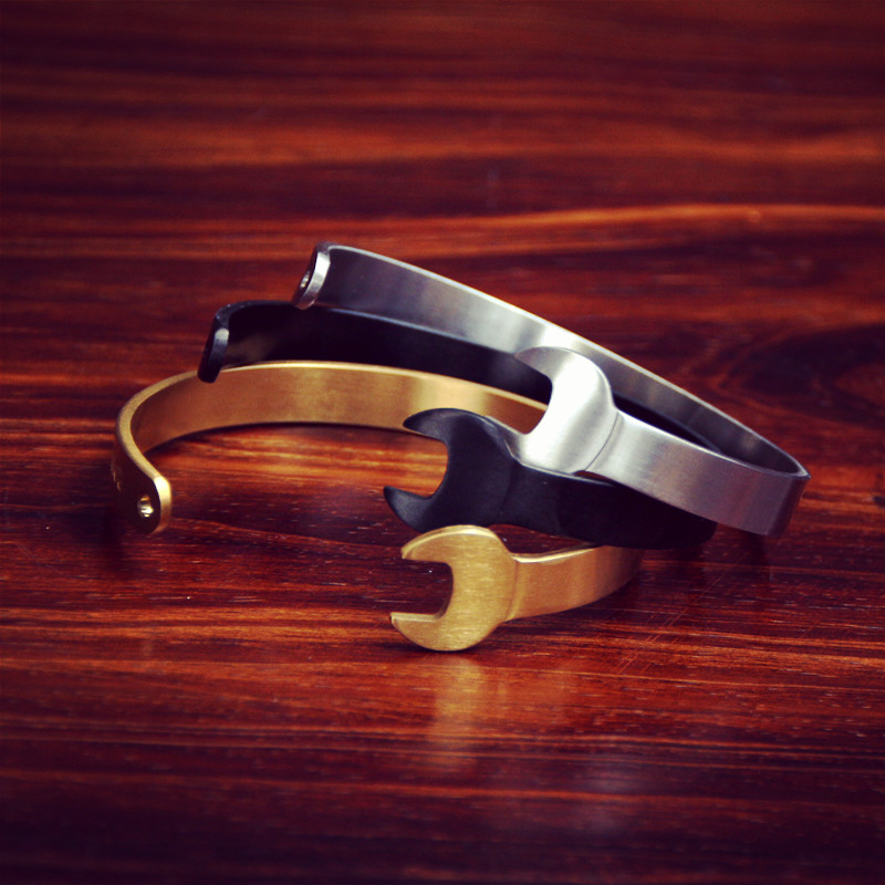9A Original fashion popular logo vintage locomotives industrial couples double-headed wrench open silver black and gold bracelet(China (Mainland))