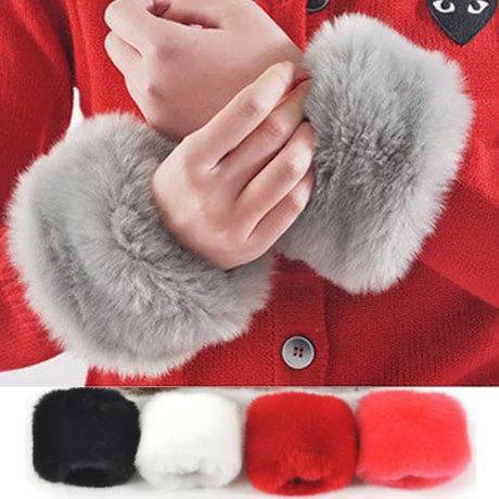 Autumn Winter Thick Warm Fur Imitation Rabbit Fur Wind Cuff Bracelet Cuff Gauntlets Gloves Female Arm Warmers Sleeves(China (Mainland))