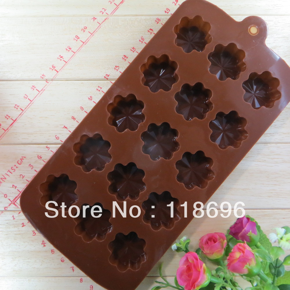 New style Eight petals/plum blossom 15pcs/set silica gel cake tools chocolate Manufacture mold(China (Mainland))