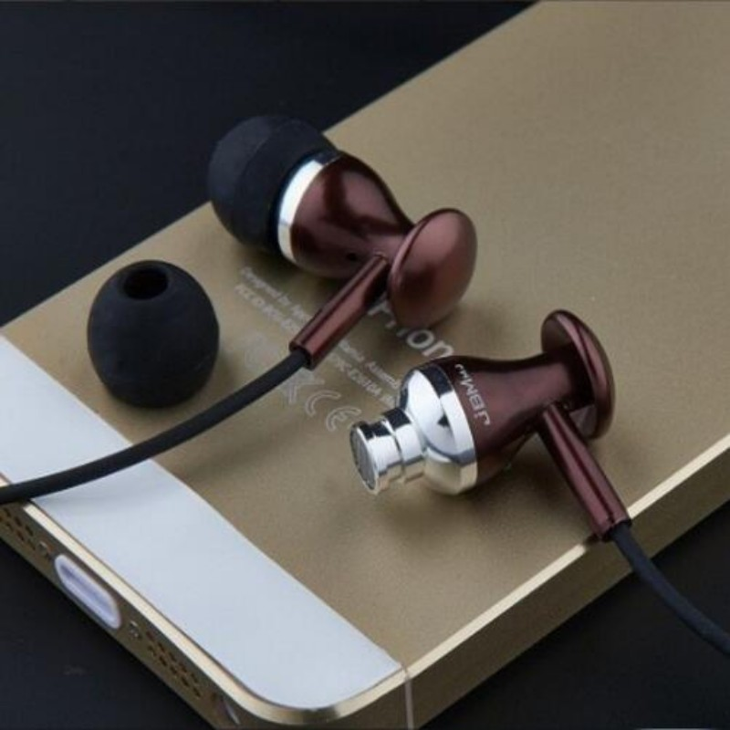 New JBM MJ9600 wired super bass earphones In ear metal stereo headsets fone de ouvido Auriculares with microphone(China (Mainland))