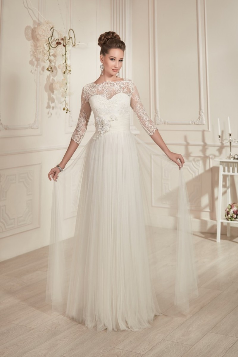 Modest Classic A Line Floor Length Ivory Tulle Beach Wedding Dress With 3 4 Lace Sleeve Hot Sale