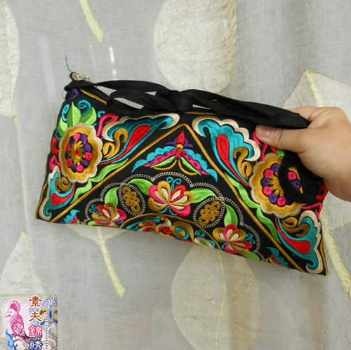 National Embroidered bags gorgeous embroidery one shoulder messenger bag cross-body women's clutch handbag Free Shipping !(China (Mainland))