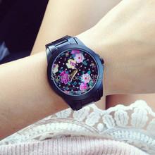 2014 de moda más caliente de la flor del dial recién llegado de ginebra del reloj de mujer reloj ocasional caliente venta de pulsera de cuarzo