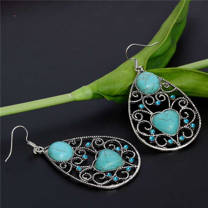 New Hot Selling Vintage Bohemia Style Hollow Earrings Gift For Women Tibetan Silver Green Heart Turquoise Stone Earrings(China (Mainland))