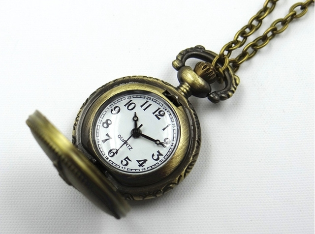 New Wholesale Commemorate Necklace Retro Eiffel Tower Pocket Watch Men and Women Chain Watch Kids Boy Girl Gift Free Shipping