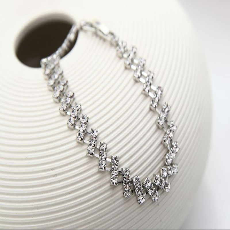 2016 TOP Elegant noble shining crystal chain bracelet Hand Catenary Jewelry For Women Bracelet Gold Filled Gifts Wholesale #B079(China (Mainland))