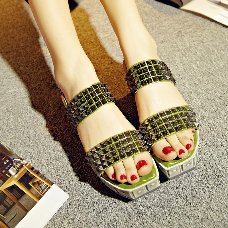 2016 summer new fashion women's shoes fashion rivet sponge thick bottom leisure leather sandals