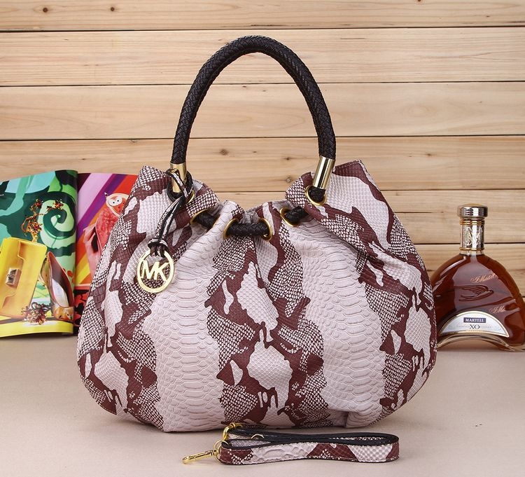2015 new European style oval bucket portable shoulder bag casual female snake pu bag ostrich grain trade(China (Mainland))