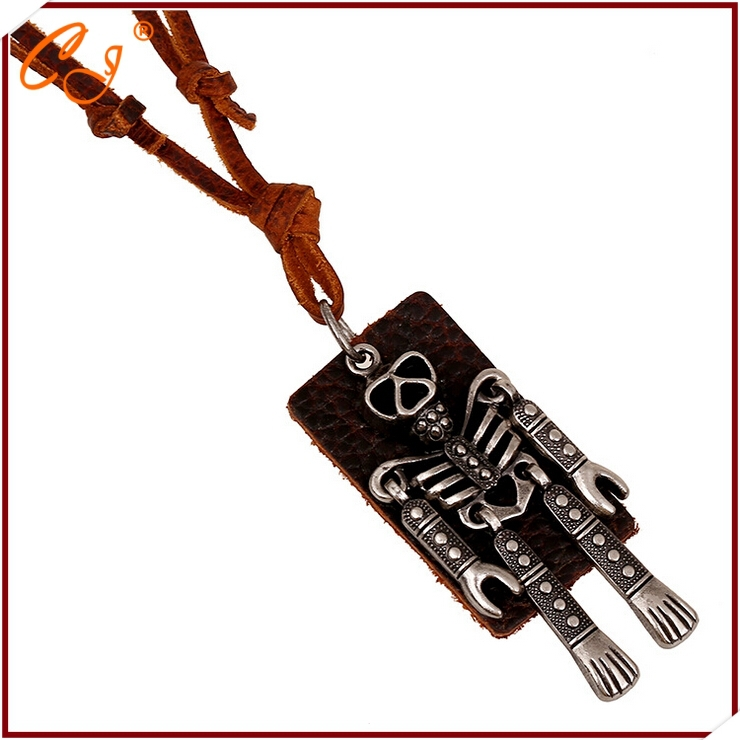 Manufacturers selling necklace sweater chain robot head layer cowhide skull necklace restoring ancient ways Leather necklace(China (Mainland))