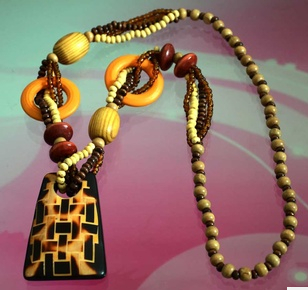 Free shipping 1 pcs bohimia handmade good Wood Necklace Fashion Wood Beads jewelry for summer holiday shop No Minimum Order(China (Mainland))