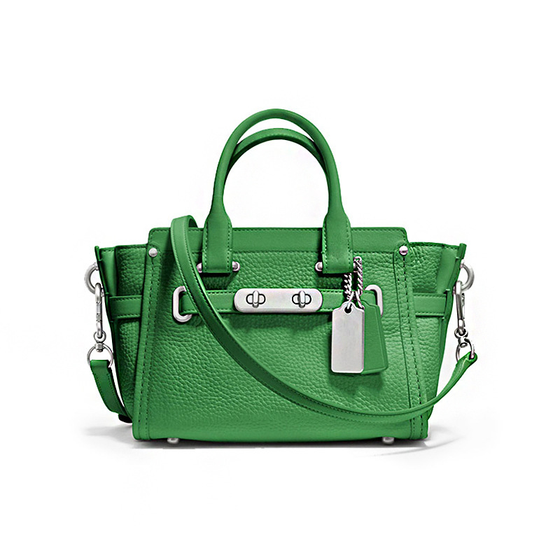 Здесь можно купить  new fashion women handbag genuine leather brand famous 2015 women leather handbags ladies 100% real leather bag with lock new fashion women handbag genuine leather brand famous 2015 women leather handbags ladies 100% real leather bag with lock Камера и Сумки
