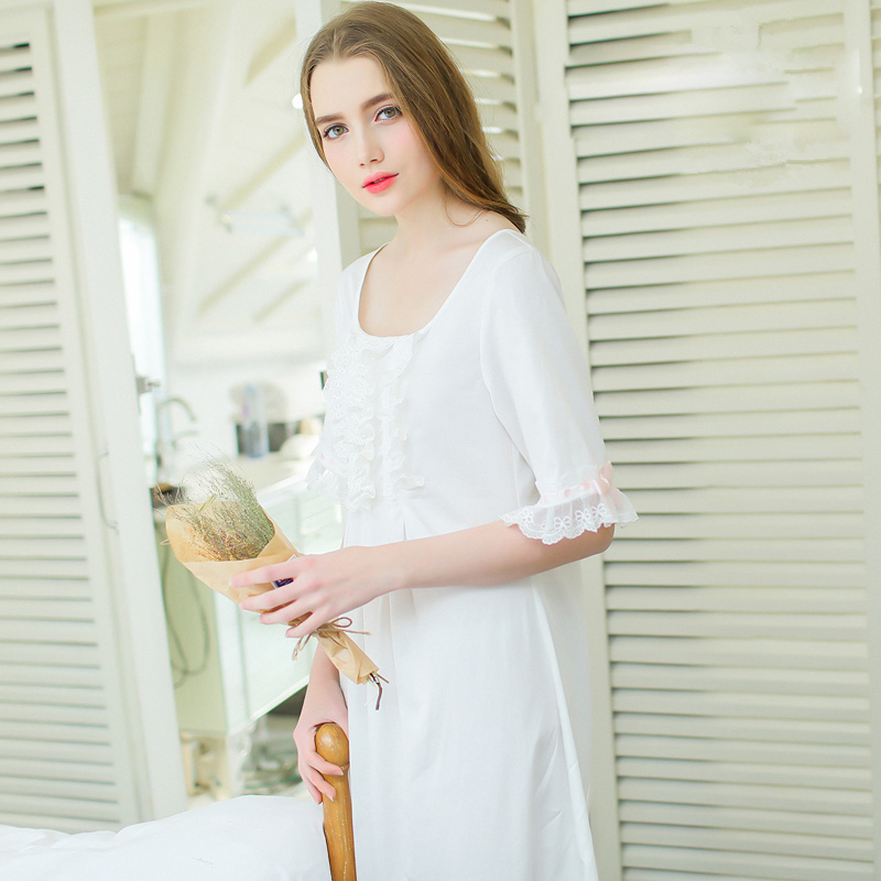 Free Shipping High Quality Vintage Girl Princess Cotton Sleepwear Summer White Nightgown Ladies Vintage Nightwear Home Clothing(China (Mainland))
