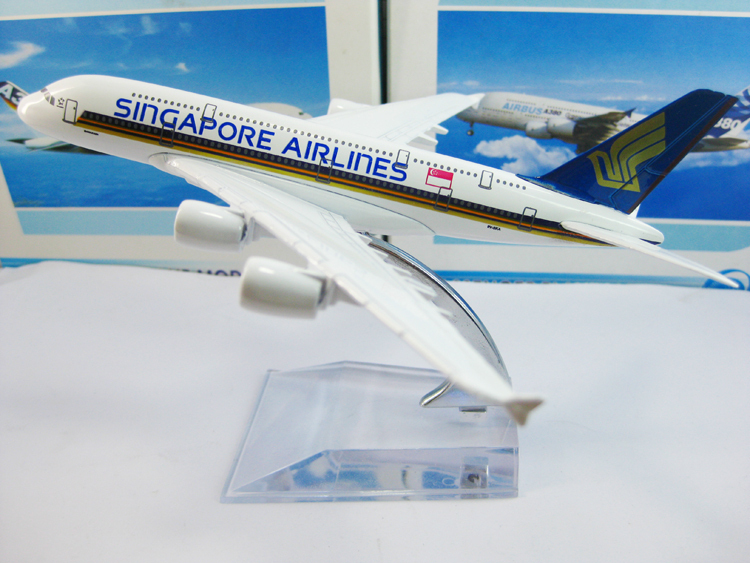 Free Shipping!Singapore Airlines A380 airplane models,16cm metal AIRLINES PLANE MODEL,airbus prototype machine,Christmas gift(China (Mainland))