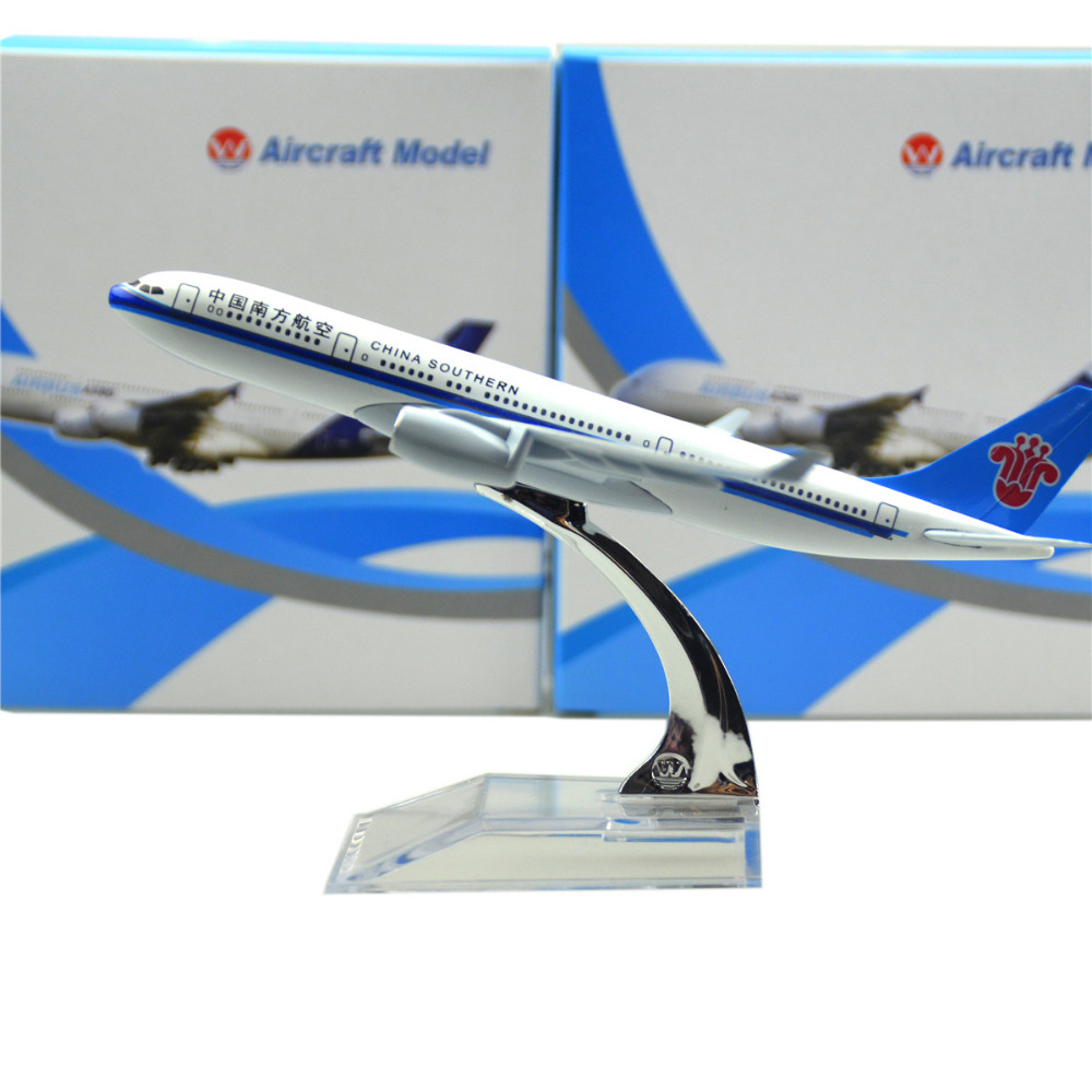 China Southern Airlines Airbus 330 16cm model airplane kits child Birthday gift plane models toys Christmas gift(China (Mainland))