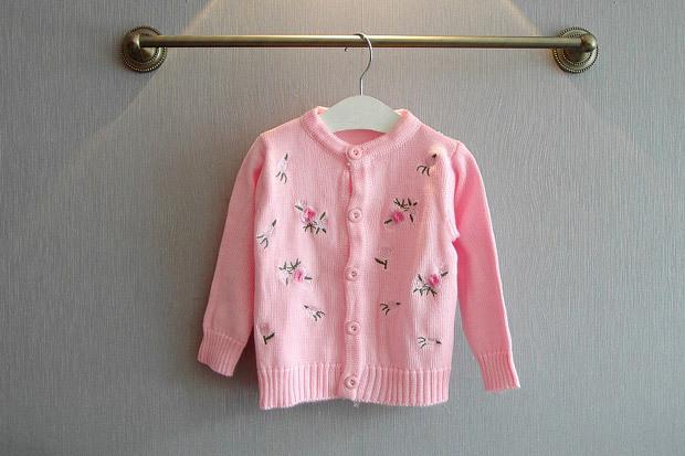 Здесь можно купить  wholesale(5pcs/lot)- 2015 autumn embroidery flower  cardigan jacket sweater for child gril wholesale(5pcs/lot)- 2015 autumn embroidery flower  cardigan jacket sweater for child gril Детские товары