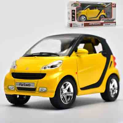 1:32 Diecast Mercedes for Benz Smart Model, Baby Toy, Alloys Metal Car, Boys Gift With Pull Back Function/Music/Light/Openable D(China (Mainland))