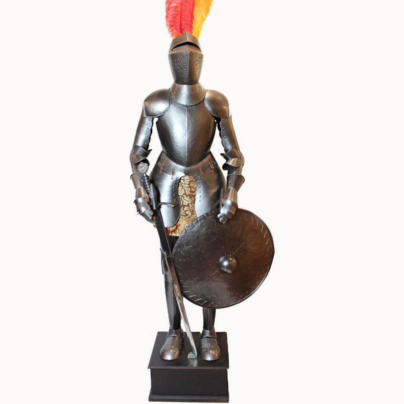 Здесь можно купить  Decorative medieval armor / European craft ornaments / decorations in the lobby bar and restaurant  Дом и Сад