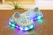 Enfants enfants fille garçon LED été sandales jardin chaussures / enfants étanche pas pieds malodorants sandales / enfant lumineuse sabots chaussures(China (Mainland))
