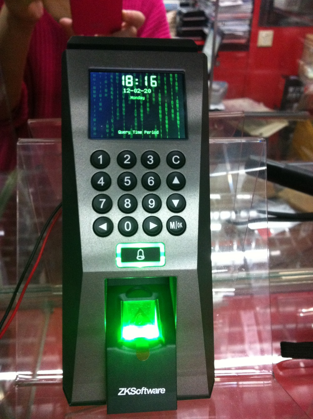 Fingerprint Access Control F18 for office,RFID Biometric Fingerprint Access control(China (Mainland))