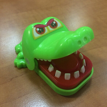 Cute Crocodile Mouth Shape Toy Novetly Toys For Kids Gift(China (Mainland))
